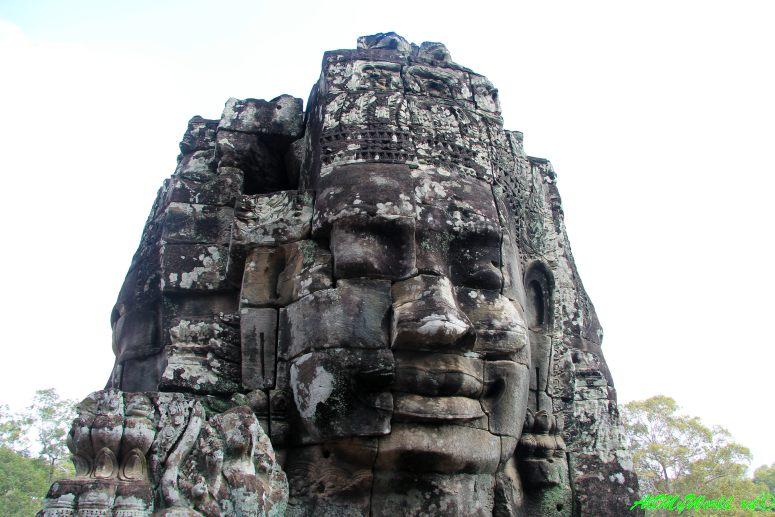 Археологическая зона Ангкор: Байон фото