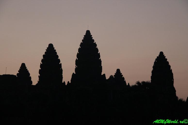 Археологическая зона Ангкор: Ангкор-ват фото