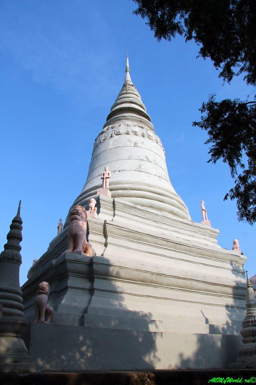 город Пномпень (Пном Пень) столица Камбоджи достопримечательности холм Пень фото