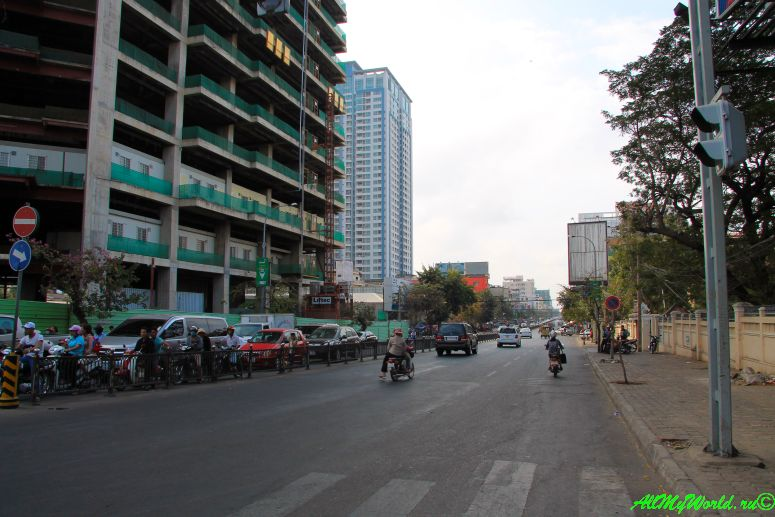город Пномпень (Пном Пень) столица Камбоджи достопримечательности Бульвар Манивонг фото