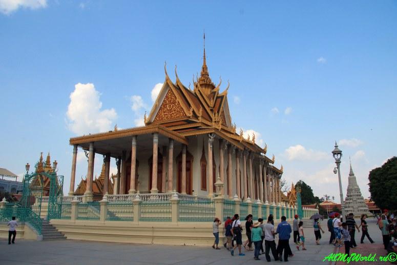 город Пномпень (Пном Пень) столица Камбоджи достопримечательности Королевский дворец фото