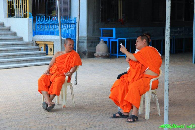 город Пномпень (Пном Пень) столица Камбоджи достопримечательности Храм Ounalom фото