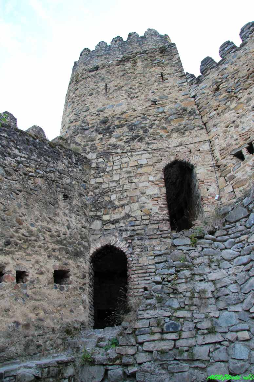 Крепость Ананури Грузия фото