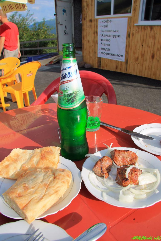 Традиционные блюда грузинской кухни - шашлык мцвади
