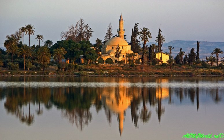 Кипр Ларнака достопримечательности мечеть Хала Султан Текке фото