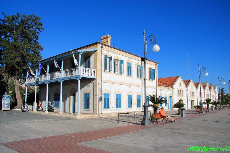 Кипр Ларнака достопримечательности церковь Святого Лазаря набережная Финикудес