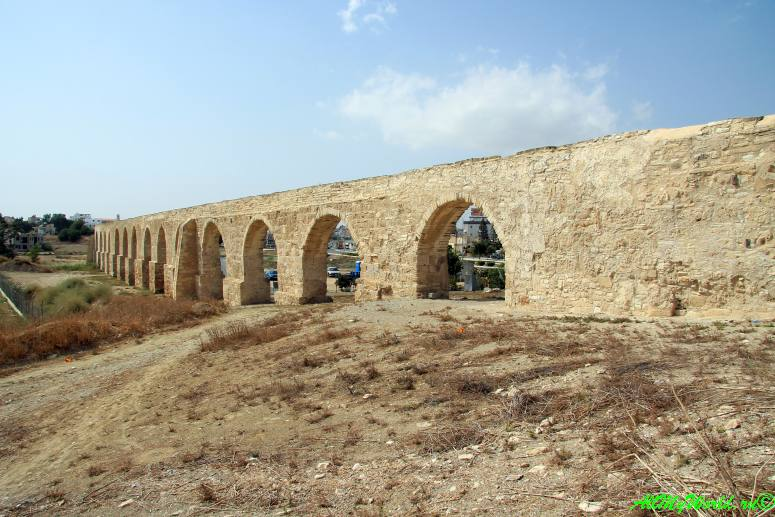 Кипр Ларнака достопримечательности акведук Камарес