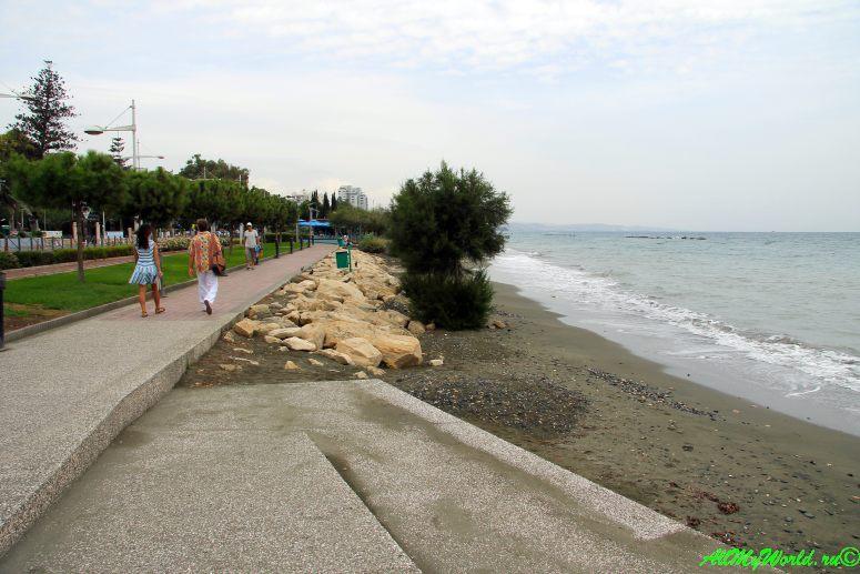 Достопримечательности Лимассола: городской пляж Лимассол бич