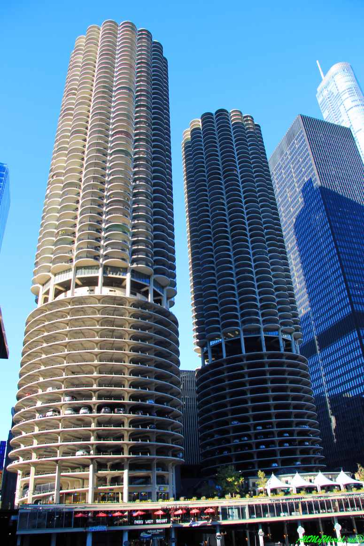 """США, город Чикаго: достопримечательности и фото - """"Морской город"""" (Marina City Twin Towers)"""