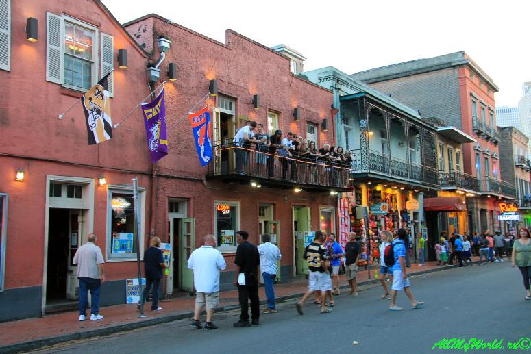 США, город Новый Орлеан - Французский квартал фото
