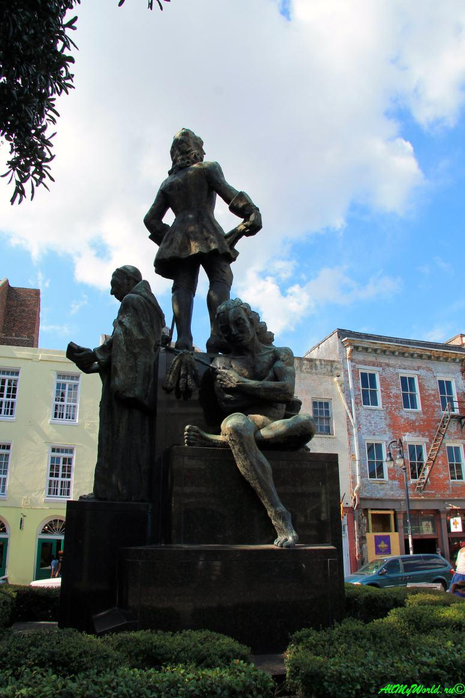 США, город Новый Орлеан - памятник Жану Батисту ле Муан де Бьенвиллю