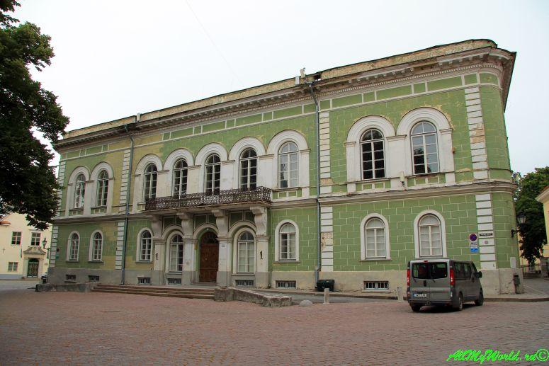 Достопримечательности старого Таллина: Рыцарский дом