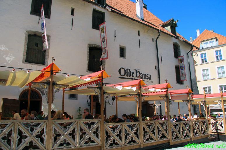 Ратушная площадь Таллина - ресторан Olde Hansa