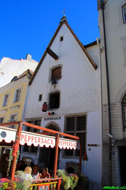 Ратушная площадь Таллина - ресторан Peppersack