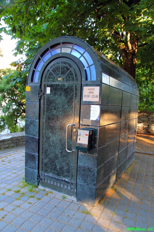 Таллинский автоматический туалет