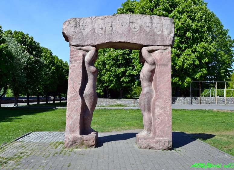 Старый Калининград: Остров Канта и Кафедральный собор и Парк скульптуры