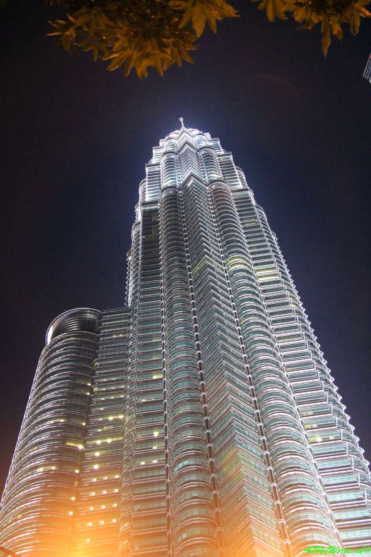 Малайзия: достопримечательности Куала-Лумпура башни Петронасы
