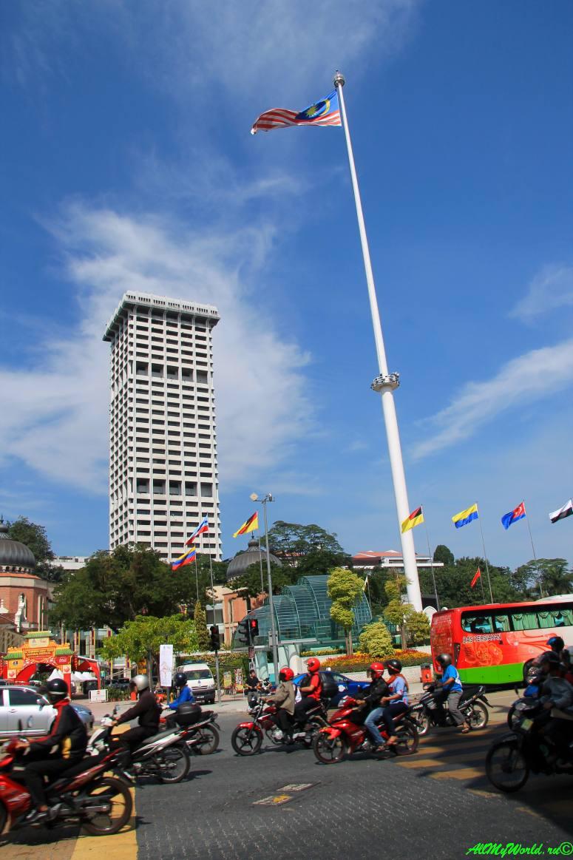 Малайзия: достопримечательности Куала-Лумпура площадь Мердека