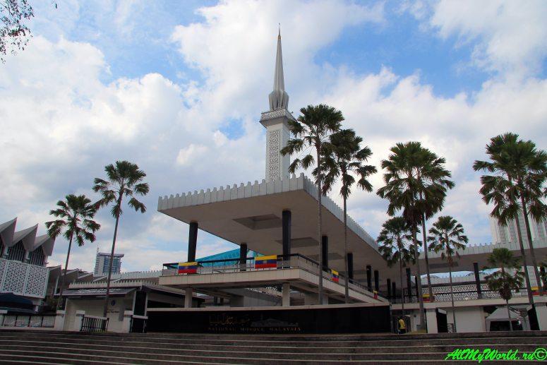 Малайзия: достопримечательности Куала-Лумпура Национальная мечеть
