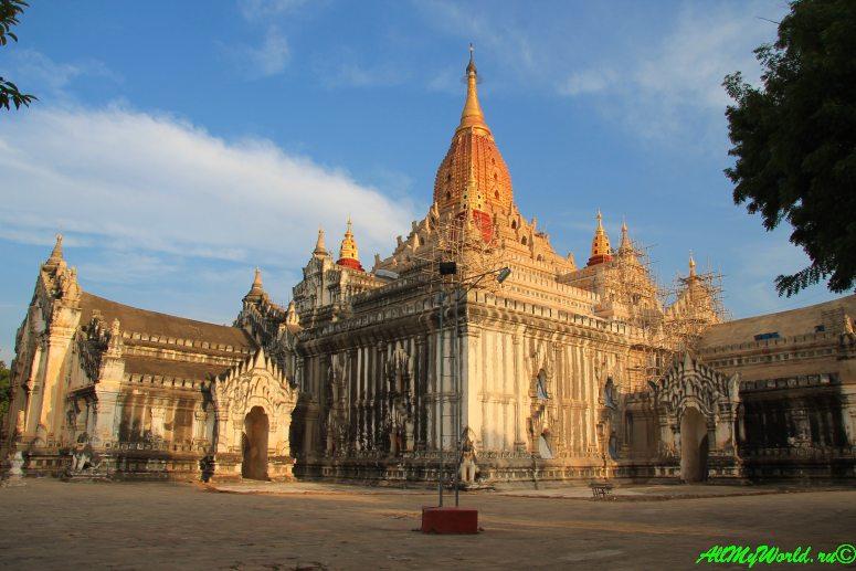 Мьянма Баган храм Ананды фото
