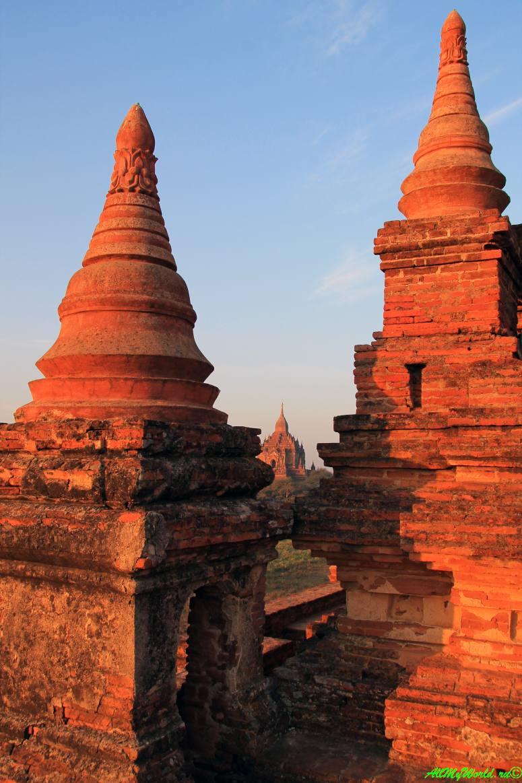 Мьянма, Баган, храм Швелейкто фото