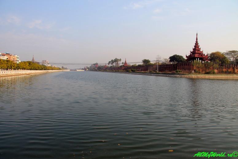 Мьянма Мандалай Королевский дворец фото