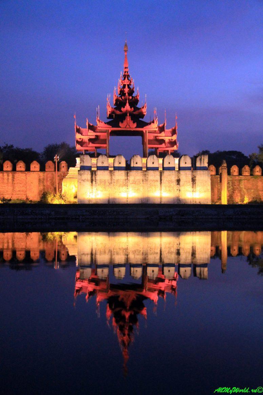 Мьянма город Мандалай Королевский дворец фото