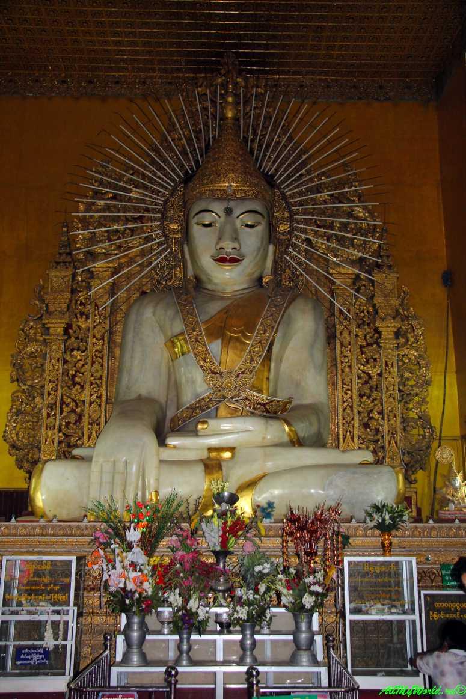 Мьянма город Мандалай пагода Кьяктавджи (Kyauk Taw Gyee paya) фото