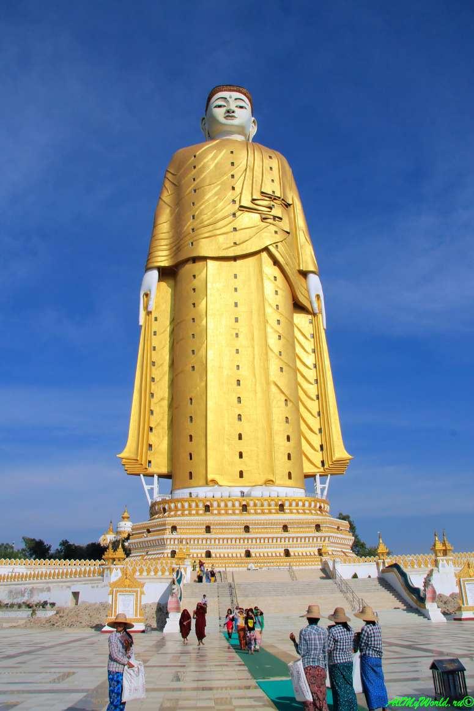 """Монива (Моньва) Bodhi Tataung (""""здание-Будда"""") фото"""