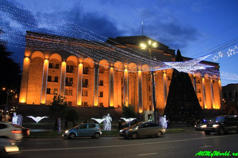 Тбилиси: проспект Руставели парламент Грузии