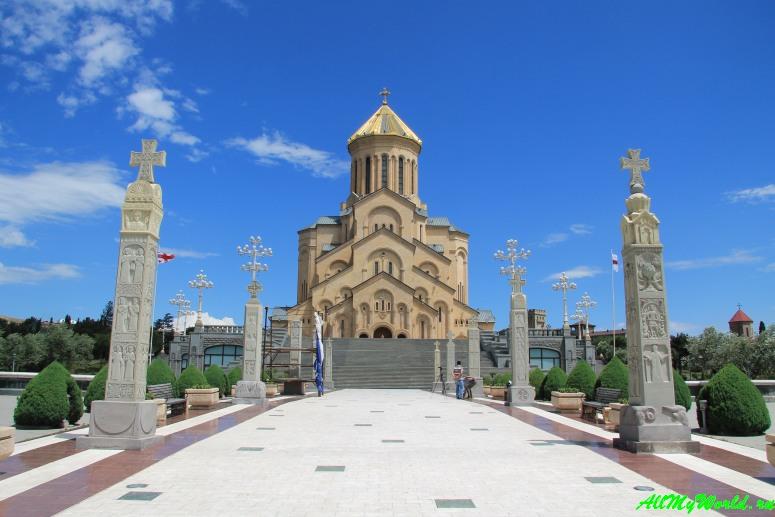 Старый Тбилиси: районы Авлабари и Метехи