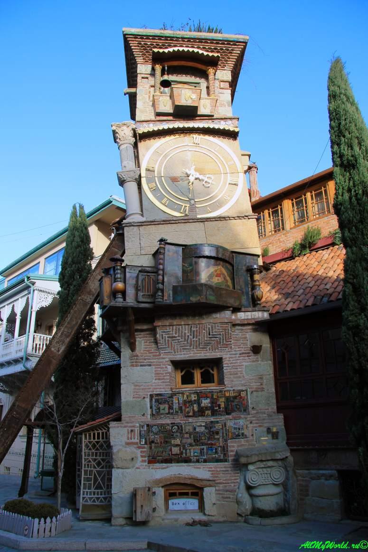 Тбилиси, театр марионеток Резо Габриадзе