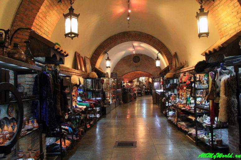 Шоппинг в Тбилиси: где покупать продукты, вино, сувениры и одежду Underground Meidan Bazaar