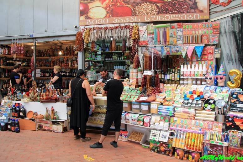 Шоппинг в Тбилиси: где покупать продукты, вино, сувениры и одежду