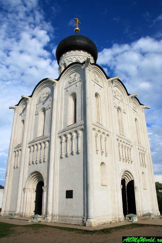 Золотое Кольцо России: церковь Покрова-на-Нерли в Боголюбово