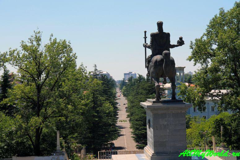 Достопримечательности Кутаиси: что посмотреть в городе - ж/д вокзал