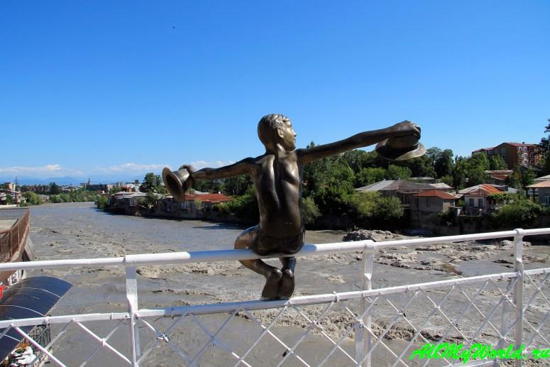 Достопримечательности Кутаиси: что посмотреть в городе - Белый мост