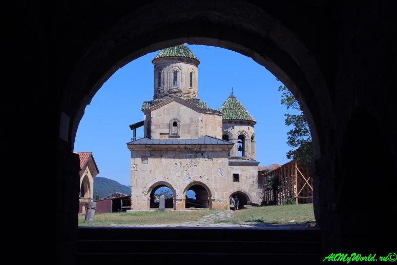 Достопримечательности Имеретии: монастыри Гелати и Моцамета