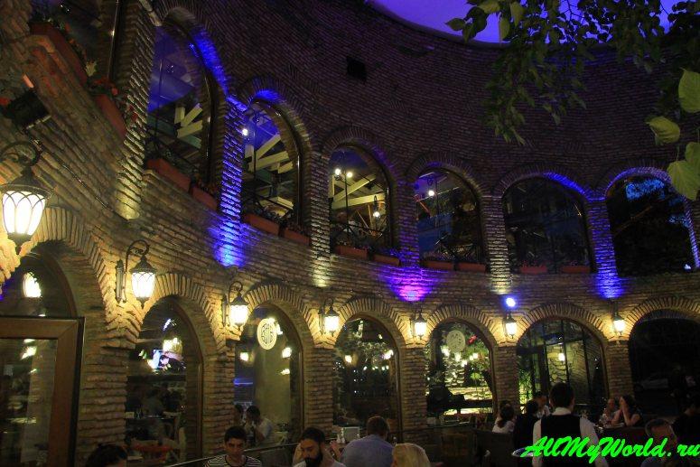 """Ресторан """"Цисквили"""" - одно из самых вкусных мест Тбилиси"""