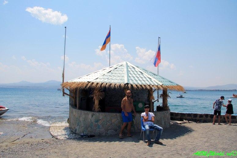 Озеро Севан в Армении: как добраться, где отдохнуть, что посмотреть