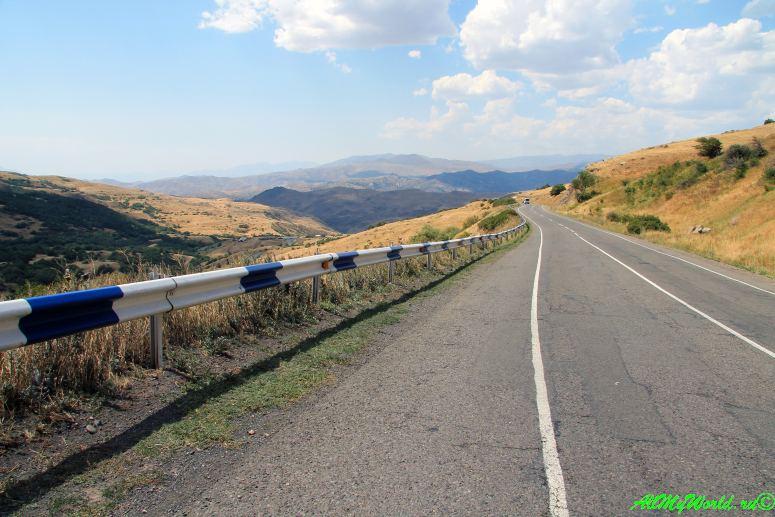 По Армении на машине: дорога Ереван-Татев