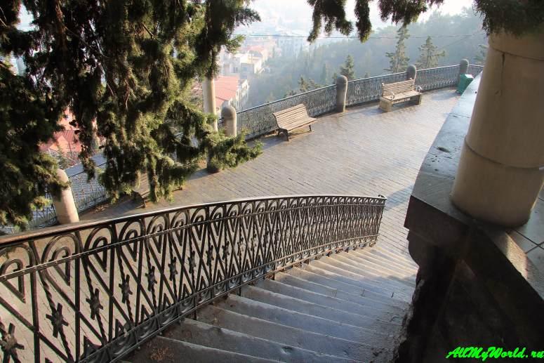 Достопримечательности Тбилиси - Пантеон на горе Мтацминда