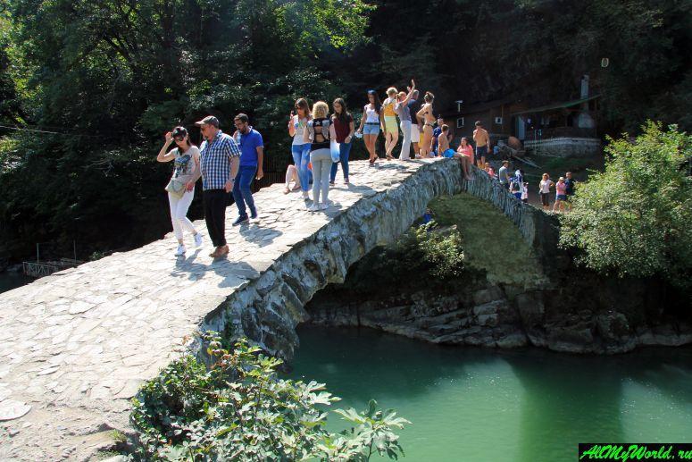 Достопримечательности Батуми: мост царицы Тамары в Махунцети