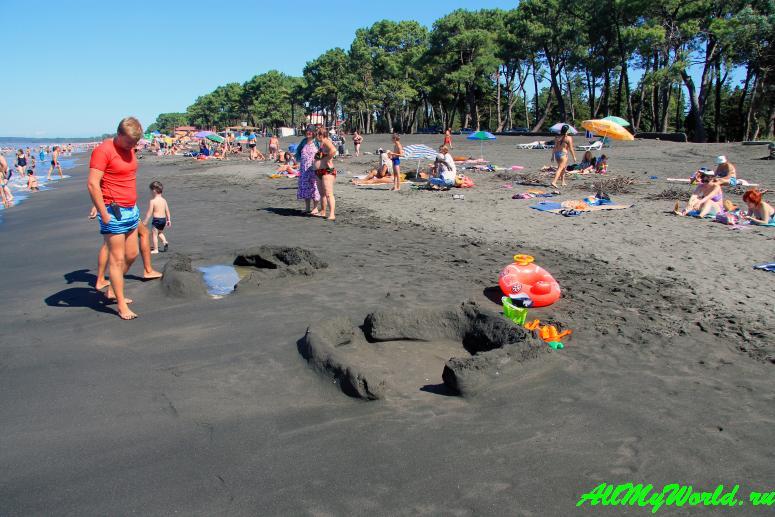 Уреки - песчаный пляж в Грузии: отзыв, описание, фото