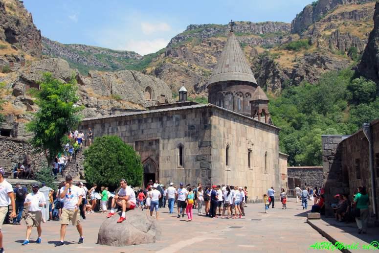Достопримечательности в окрестностях Еревана - монастырь Гегард