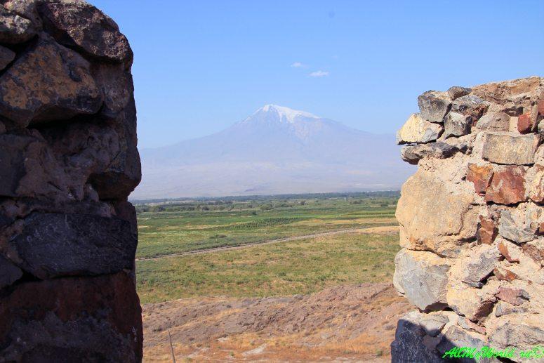Достопримечательности в окрестностях Еревана - монастырь Хор Вирап