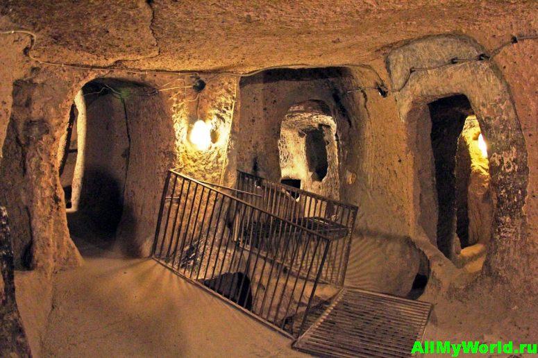 Достопримечательности Еревана - храм-пещера дедушки Левона