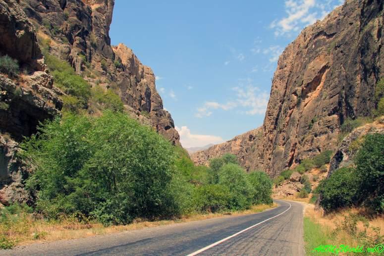 Что посмотреть в Армении - дорога к Нораванку
