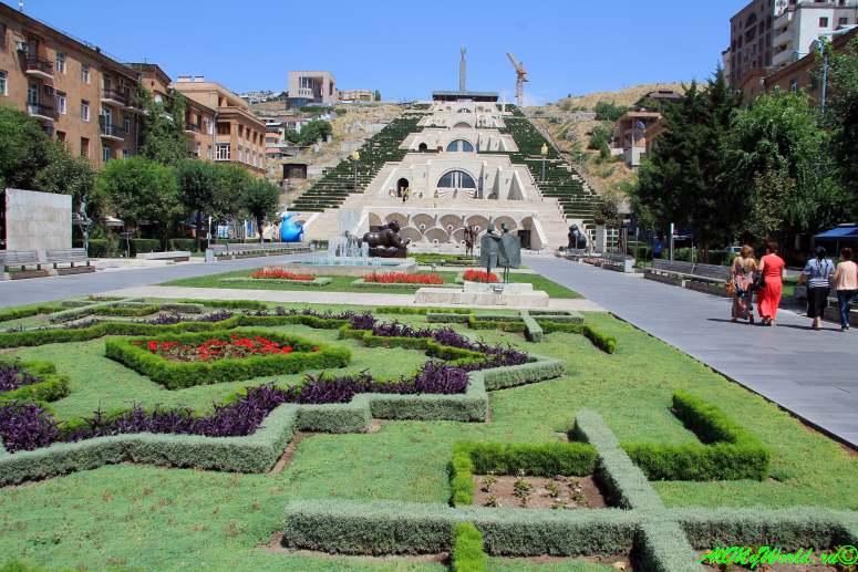 Достопримечательности Армении - Ереванский Каскад