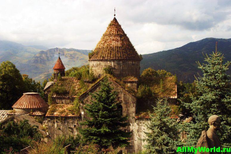 Достопримечательности Армении - монастырь Санаин